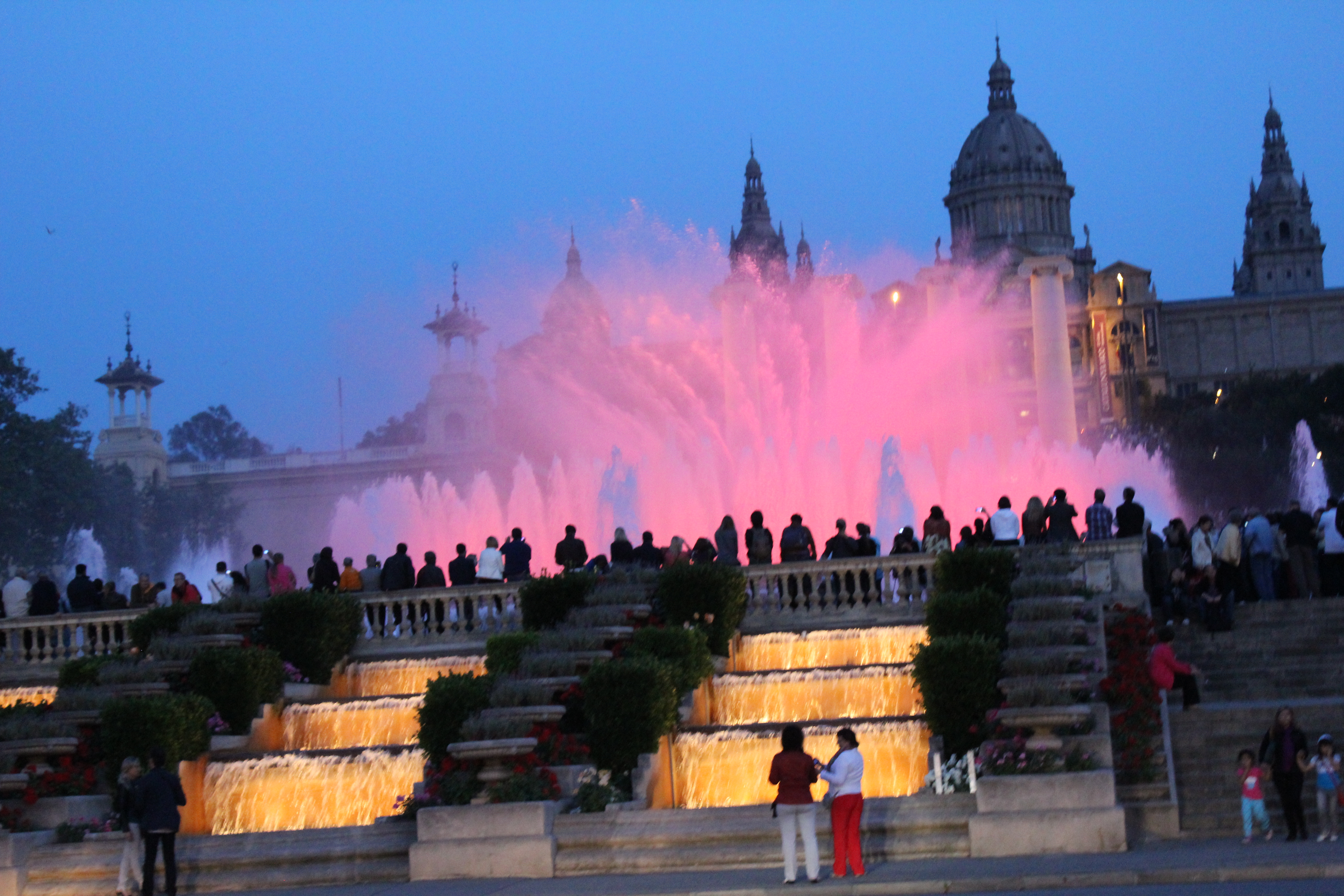 Barcelona Water Fountain Light Show Played 80 S Rock Music