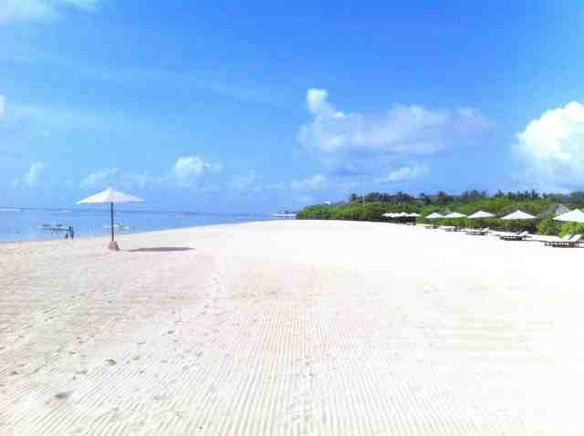 Serious white sand beaches of south east coast of Bali near hotel in Nusa Dua